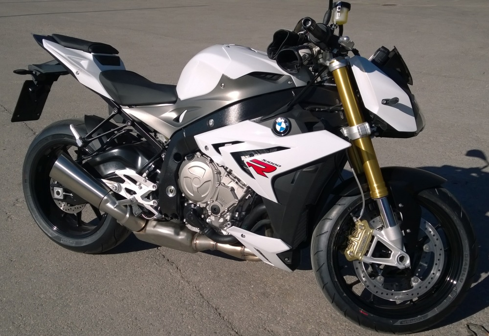 Uusi pyörä BMW S1000R (2/2)